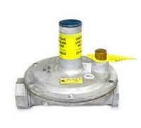 """Maxitrol 325-5AL-1-12A39 Lever Acting Design Regulator with Vent Limiter Installed 1"""""""