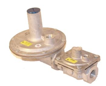 Maxitrol 325-5AL48-1/2 Lever Acting Design Regulator 1/2""