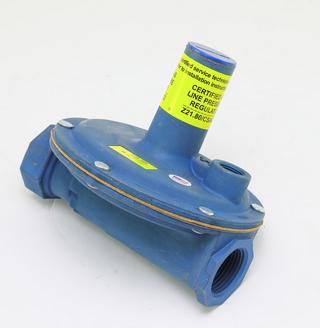 "Maxitrol 325-5BL-1 Lever Acting Design Line Regulator with Imblue 1"""